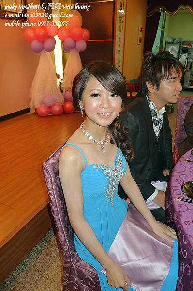 氣質側邊盤髮,優雅造型,浪漫捲髮,台北新祕~薇娜VINAHUANG (1).jpg