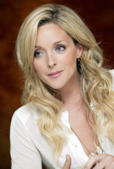 Jane Krakowski stars as Jenna Maroney.jpg