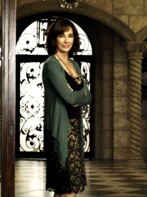 Anne Archer ...as  Laurel Limoges.jpg