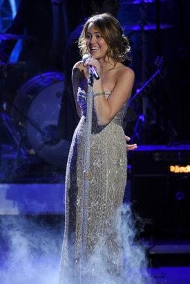 American Idol 8, E30 - Miley Cyrus.jpg
