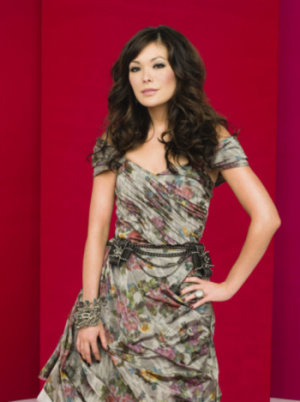 Lindsay Price as  Victory Ford.jpg