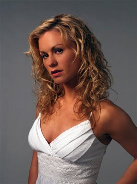 True Blood S2 Cast Photo_Anna Paquin as Sookie Stackhouse_02.jpg
