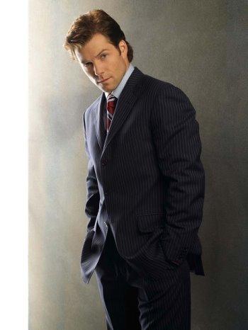 Jamie Barber as Lee Apollo Adama.jpg