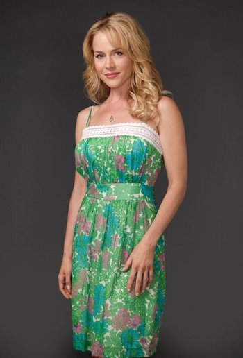 Julie Benz as Rita in Dexter.jpg