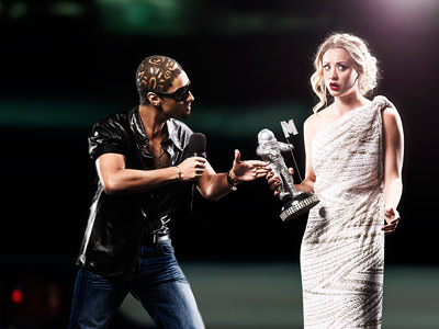Kanye West and Taylor Swift at the 2009 MTV Video Music Awards - Big Bang Theory style.jpg