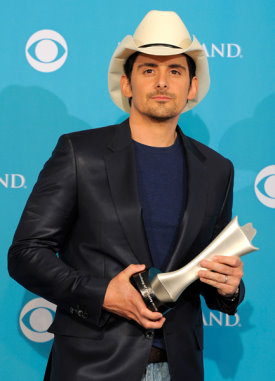 Brad Paisley Wins 45th ACM Top Male Vocalist.jpg