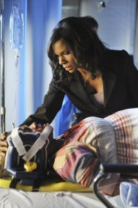 Geffri Maya Hightower and  Audra McDonald of Private Practice   S3E23 'The End of a Beautiful Friendship'.jpg