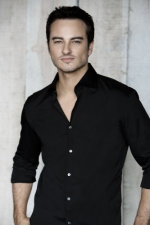 Kerr Smith ... as Ryan Thomas.jpg
