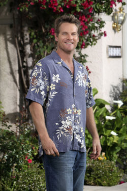 Brian Van Holt ... as  Bobby Cobb.jpg