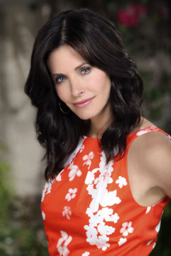 Courteney Cox ... as  Jules Cobb.jpg