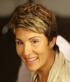 TAMSIN GREIG  plays BEVERLY LINCOLN.jpg
