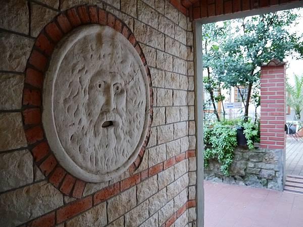Hotel Archi Rossi 16