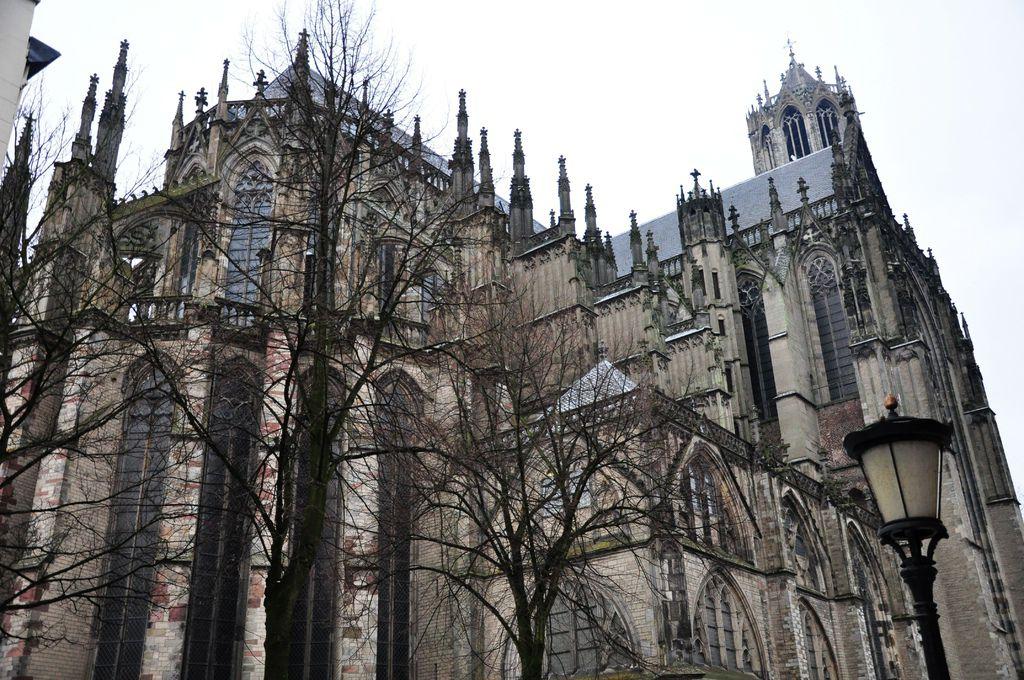 Utrecth 02 主教堂2.jpg