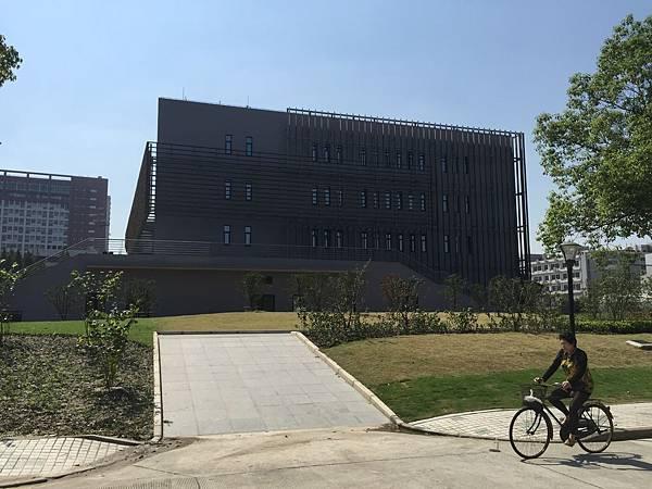 同濟大學-游泳池.JPG