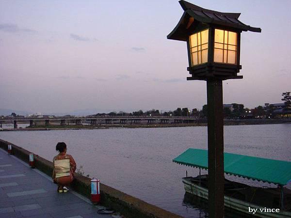 嵐山 橋與夜燈