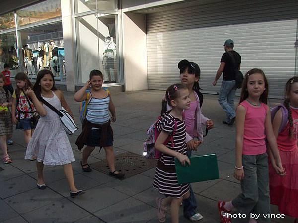 國王大街上小學生