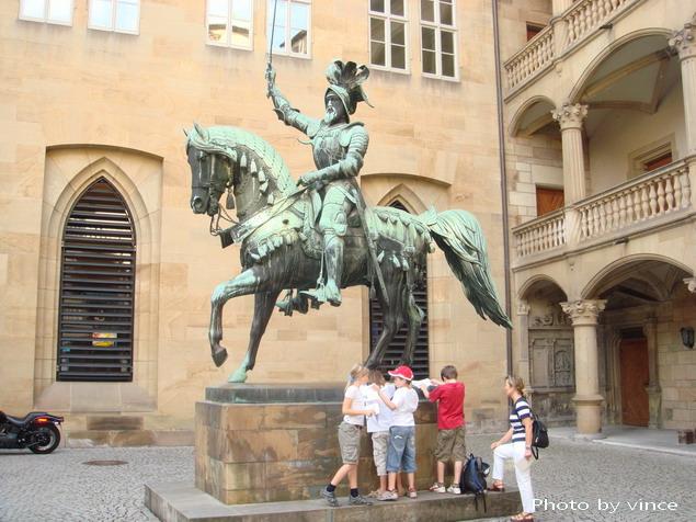 Württemberg State Museu旁內雕像