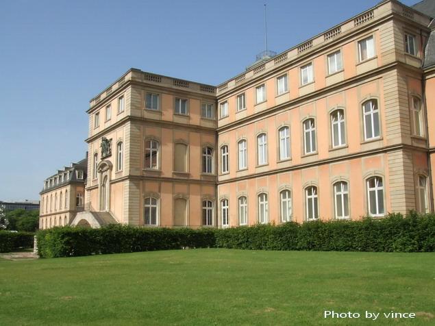 新宮 Neues Schloss後側
