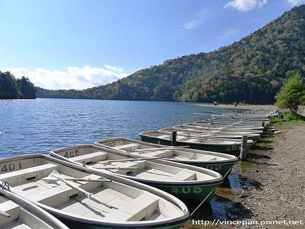 湯之湖 小舟