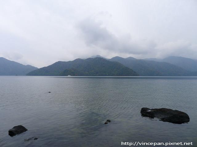 中禪寺湖岸