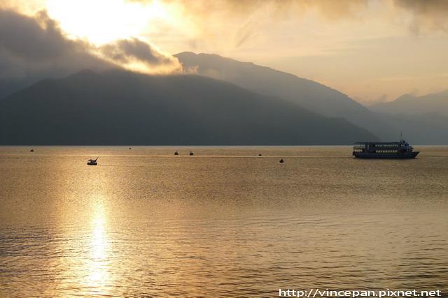 中禪寺湖 傍晚 船