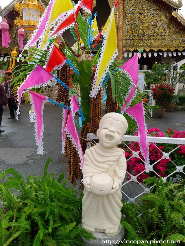 清曼寺 小童雕像