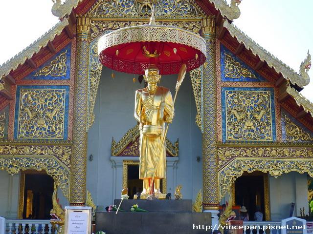 帕邢寺高僧Kruba Srivichai雕像