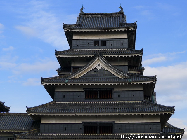 松本城  黑牆