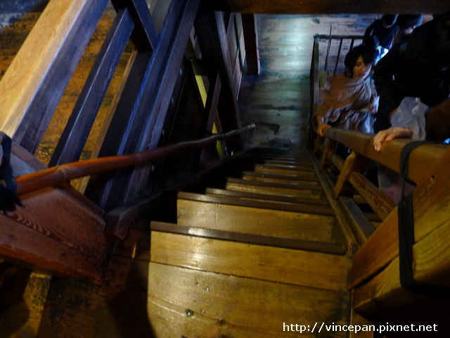 超陡的樓梯
