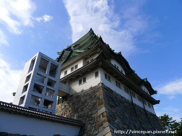 電梯與 城堡