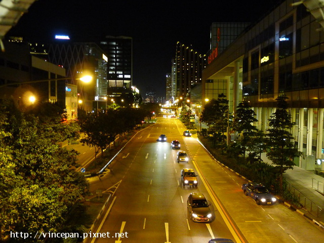 新加坡深夜的街景