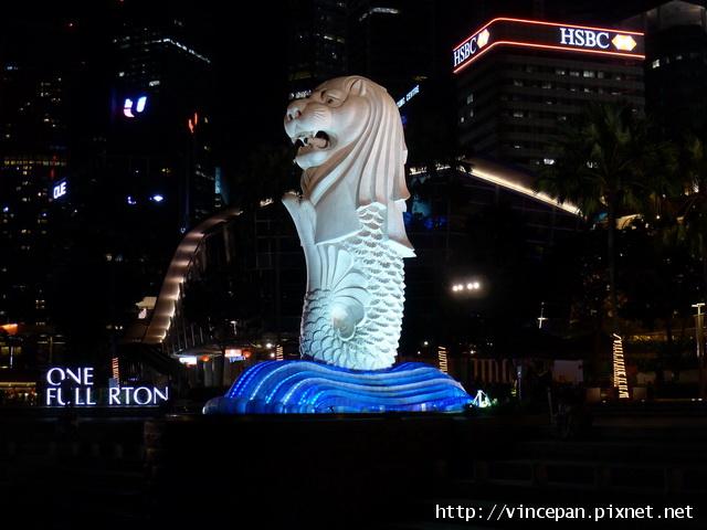 魚尾獅 與大樓 大