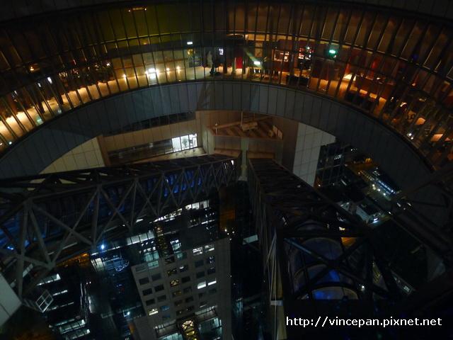 很炫的電扶梯2