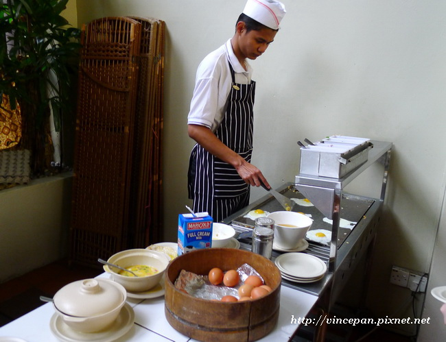 Hotel Puri 早餐  煎蛋