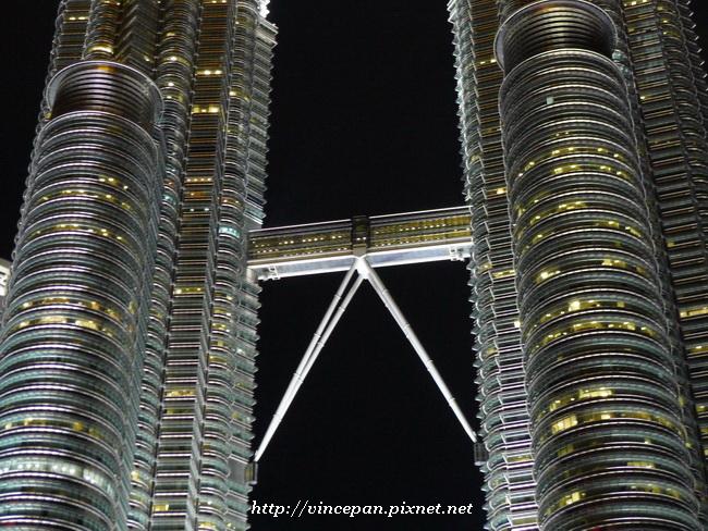 國油雙塔  天空之橋