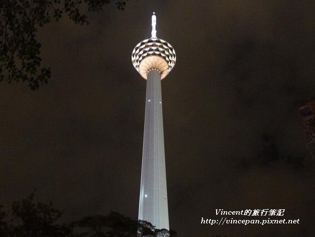 吉隆坡塔 夜 仰望