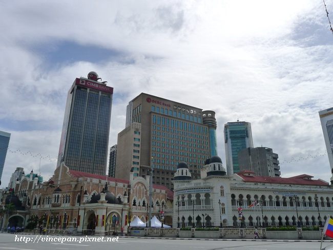 獨立廣場旁建築