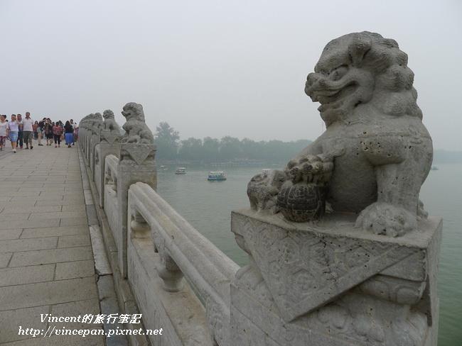 十七孔橋 石獅