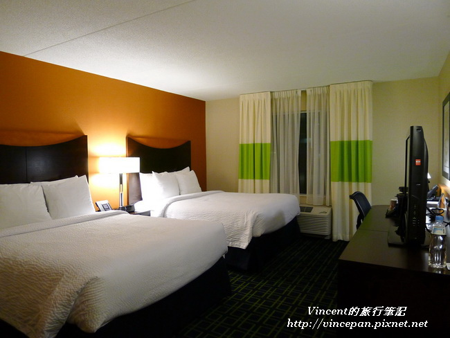 Fairfield Inn & Suites 房間