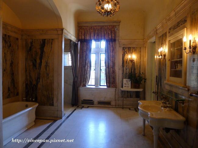 柏拉特爵士浴室