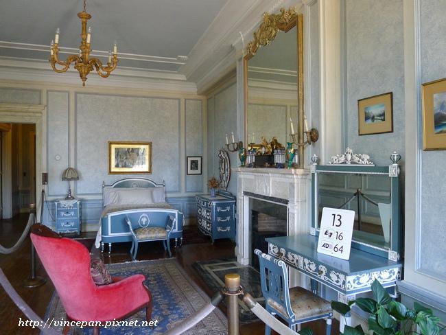 亨利爵士夫人的臥房