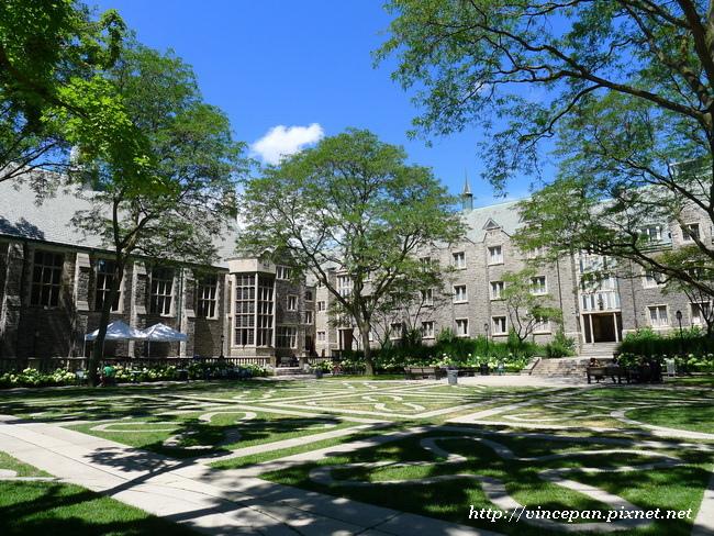 Trinity College 中庭