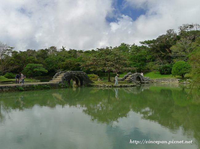 識名園 水池2