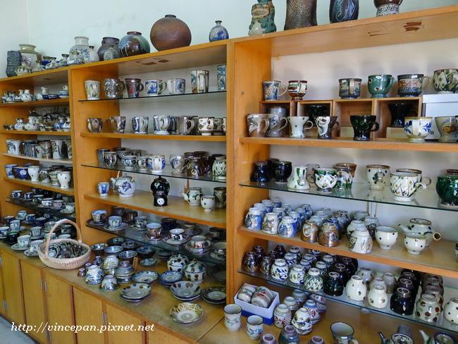 陶器店內1