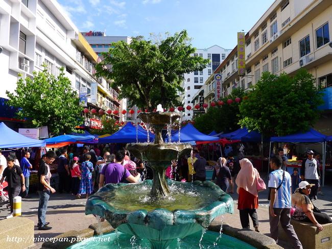 週日市集 噴泉
