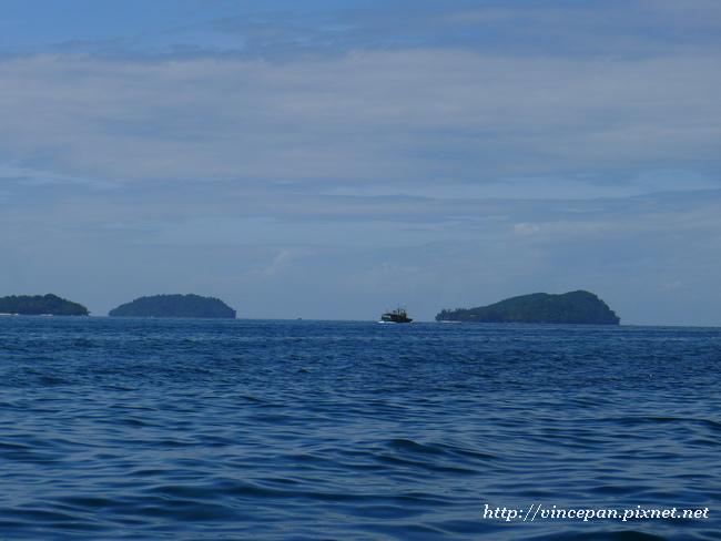 馬奴干島與馬穆迪島