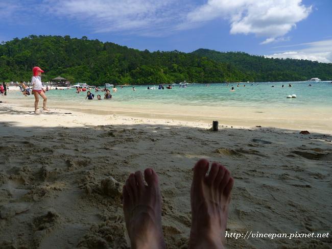 沙比島白色沙灘  腳