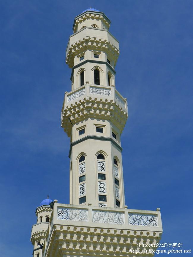 鵝黃色尖塔