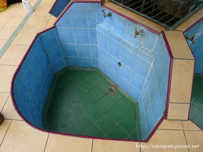 波令溫泉區泡湯池