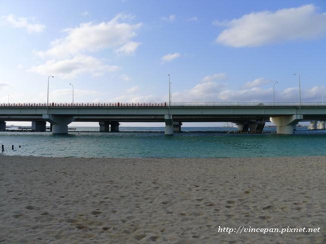 波之上海灘 高架橋
